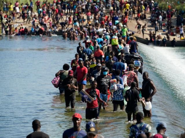 Migrant Surge Del Rio Camp 3GmHuL