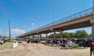 USA border immigration 2021 9 18 300x180 8bNOfR
