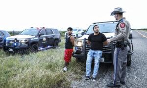 Border Kinney smuggling 510A0935 300x180 wXgSVK